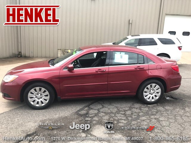 Pre-Owned 2011 Chrysler 200 LX