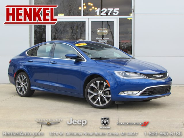 2017 Chrysler 200 Awd Auto Express