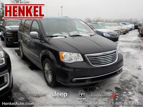 Pre-Owned 2016 Chrysler Town & Country Touring L